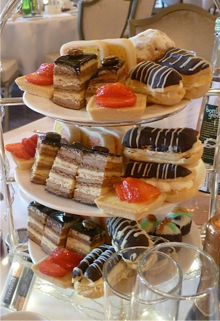 A tower of cakes!